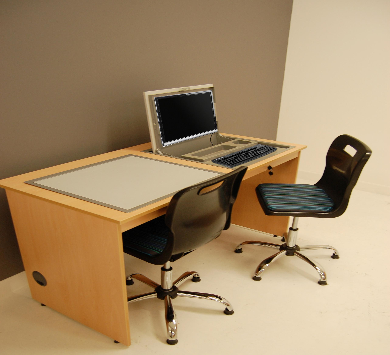 Computer desks classroom desks for Tables and desks in the classroom